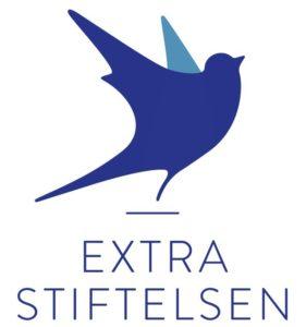 ExtraStiftelsens logo med blå fugl og tekst